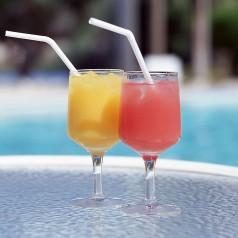 旭洲物流解决饮料出口难题